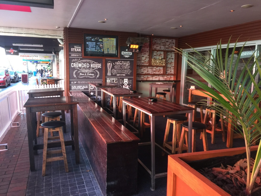 Outdoor 'Garden Bar' area Crowded House New Plymouth